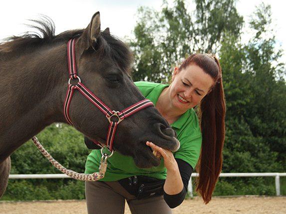 Hannah Beate König, Glückskönigin Pferde